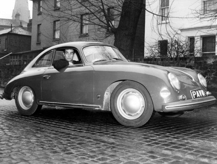 Одна з перших серйозний покупок молодого актора - Porsche 356